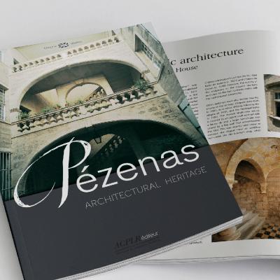 """Couverture et page intérieure du livre Pézenas """"Architectural Heritage"""", aux éditions ACPLR"""